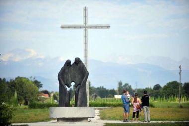 Posvetitev slovenskega naroda