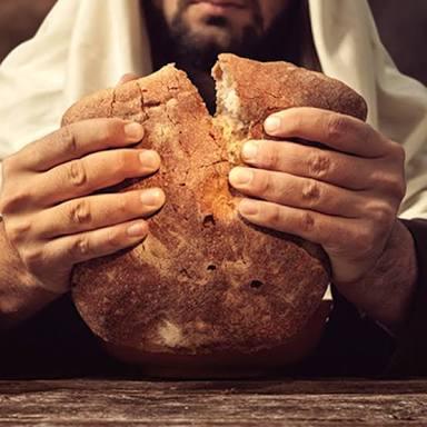 Kaj je evharistija, kaj se sploh dogaja pri bogoslužju