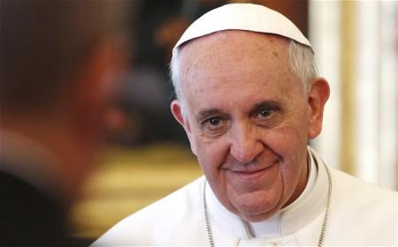 Pismo papeža Frančiška o molitvi v mesecu maju